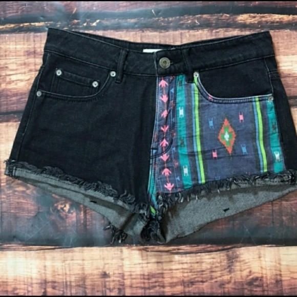 Bullhead Pants - Bullhead Denim Tribal Black Jean Shorts High Waist